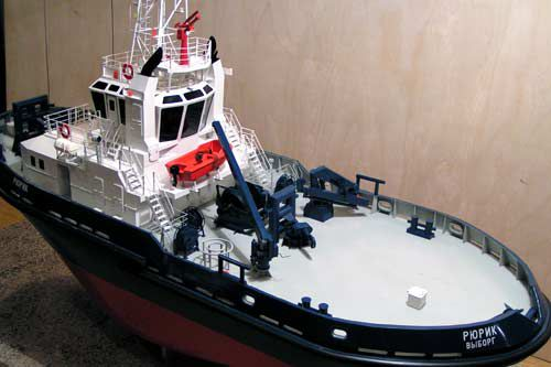 The Rurik berthing tugboat of Pr. 21110