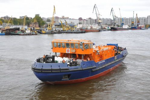 Ice class tugboat pr. 2805